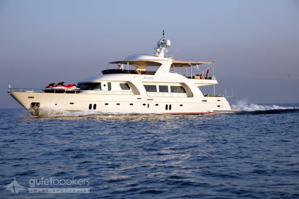 Yacht a Motore Azmim