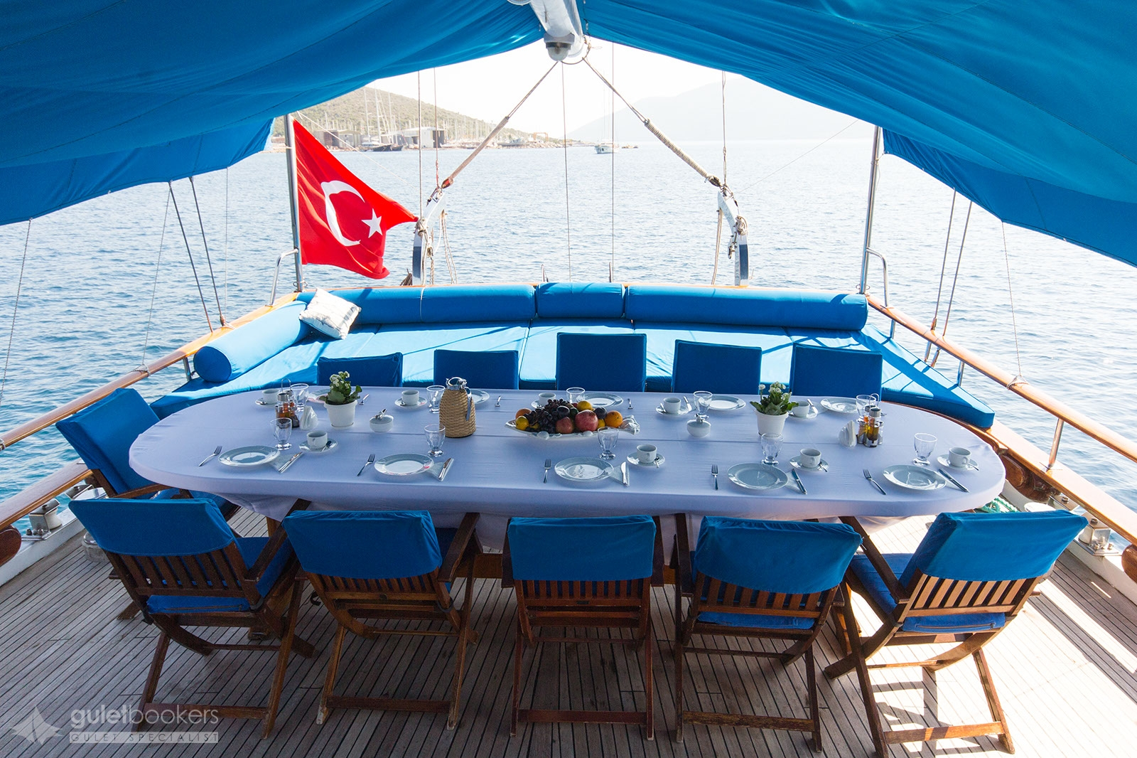 Yat Blue Cruise