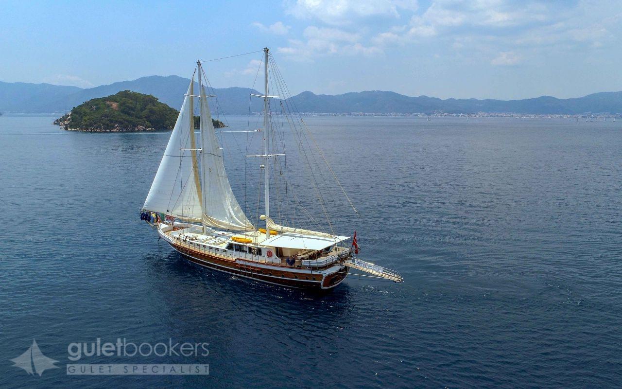 Yat Perla Del Mar