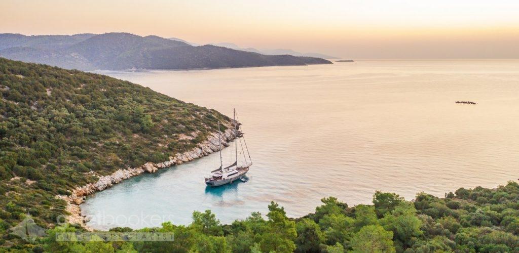Qual è migliore; affittare una barca oppure villa?
